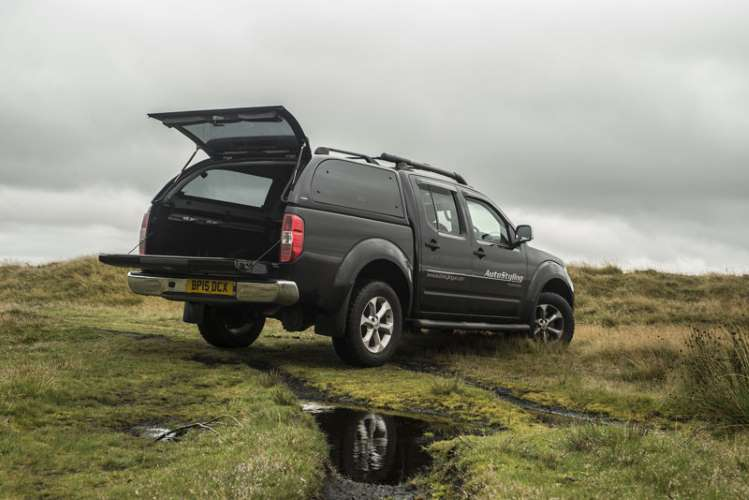 nissan navara lease deals new contract hire offers. Black Bedroom Furniture Sets. Home Design Ideas