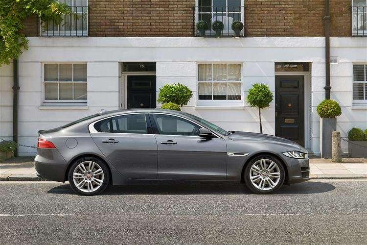 Jaguar Xe Saloon 5